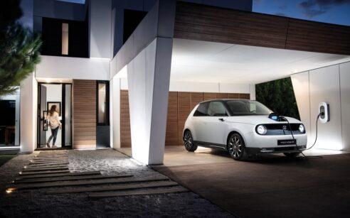 carregamentos domesticos carros eletricos - Honda e na garagem de casa