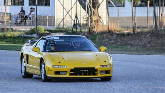 Honda NSX Amarelo