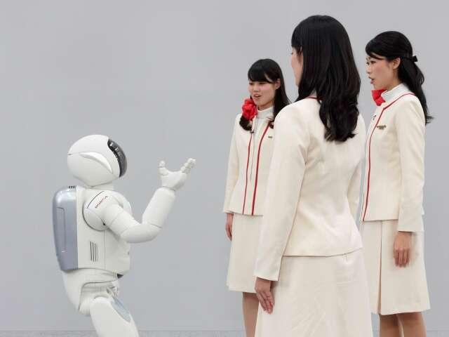 ASIMO a comunicar