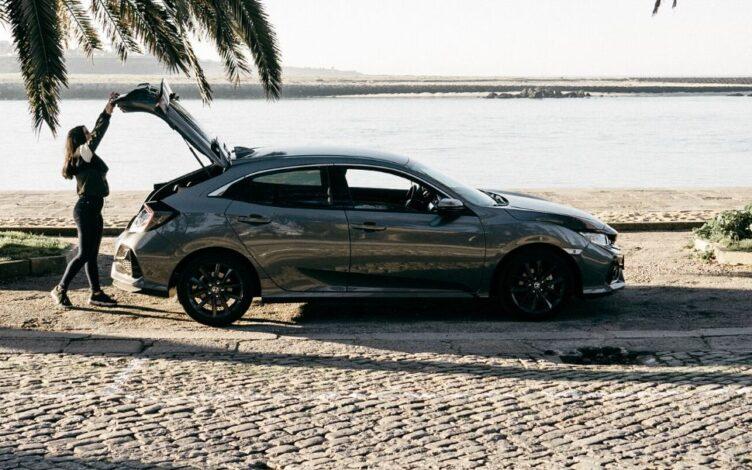 Honda Civic 2020 na praia
