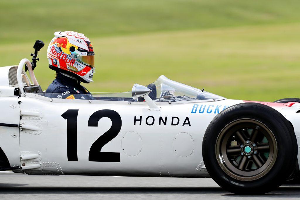 Os carros de competição da Honda de Fórmula 1 voltaram a correr