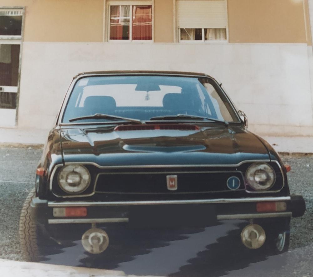 Honda Civic preto de primeira geração