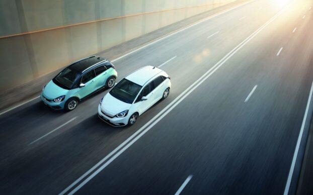 Honda Jazz Hybrid e Honda Crosstar Hybrid na estrada